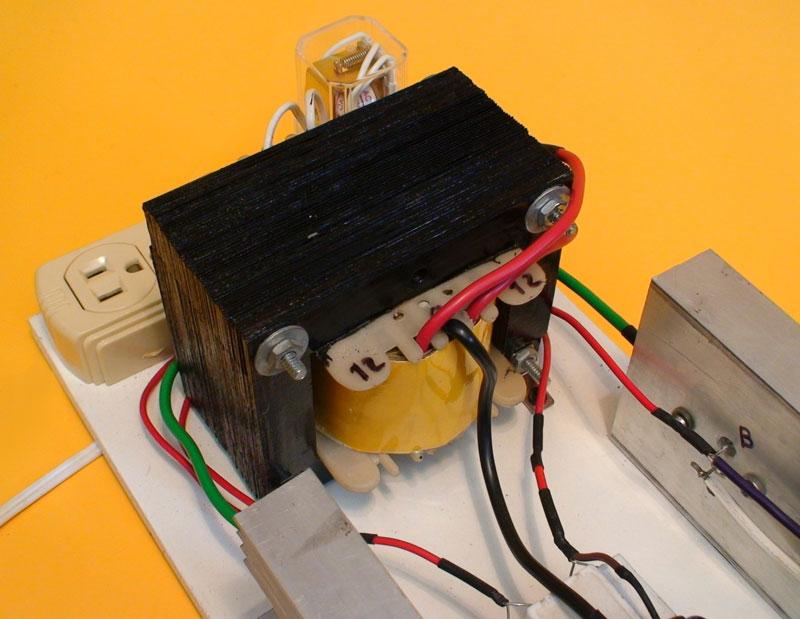 Construya un inversor dc ac de 300w for Transformadores de corriente 220v a 12v