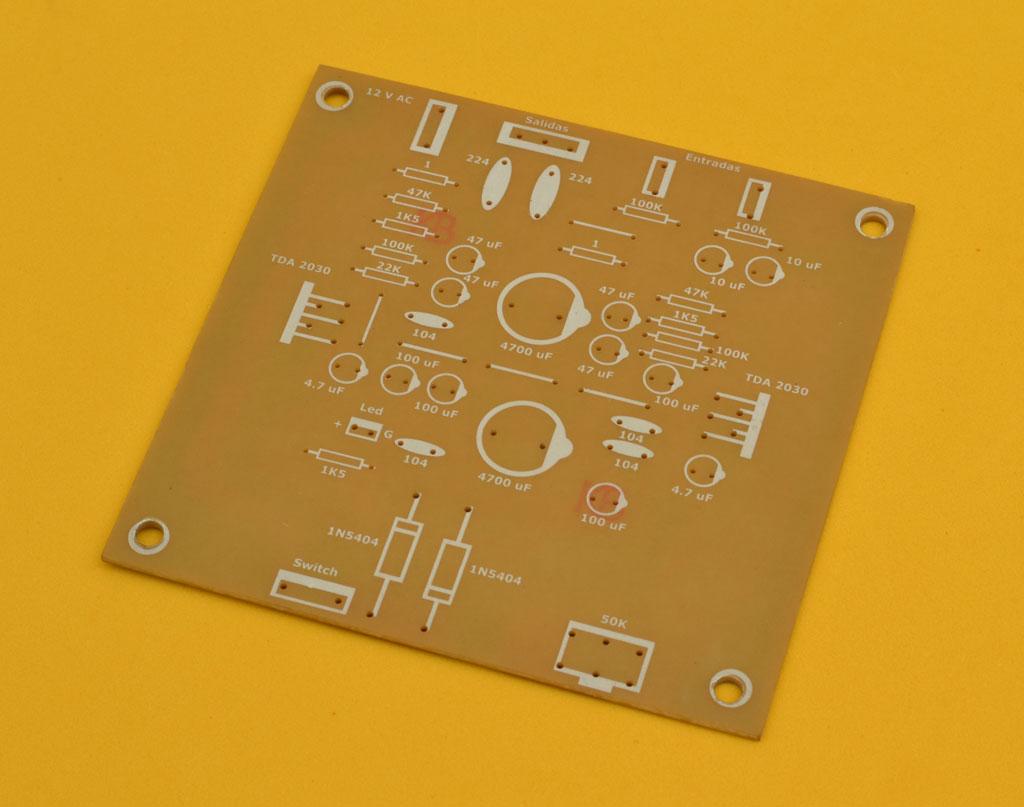 Circuito Impreso De Amplificador De 3000w : Satisface