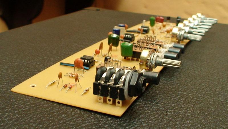 Circuito Impreso De Amplificador De 3000w : Circuito amplificador de audio w reales taringa