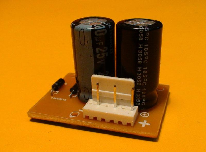 Construya un preamplificador con entrada de micrófono, línea