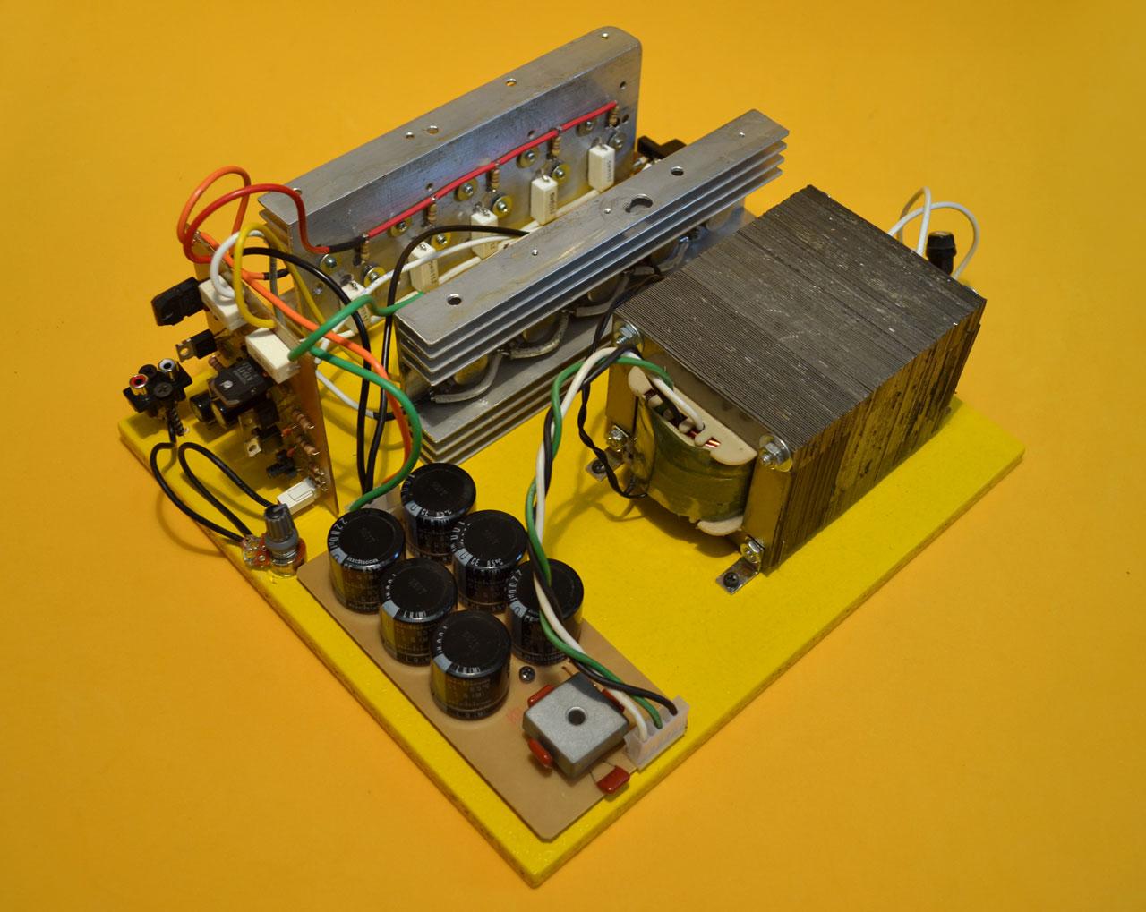 Circuito Impreso De Amplificador De 3000w : Construya su videorockola gt amplificadores de potencia